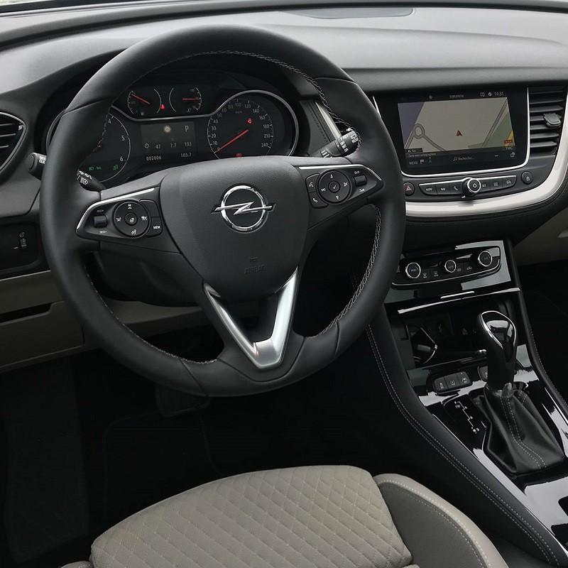 Pédalier Alu Opel Grandland X à boîte automatique